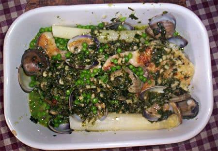 merlu aux palourdes, asperges et petits pois