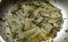 blettes aux olives et aux câpres