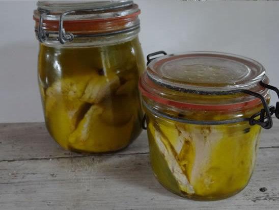 thon à l'huile d'olive en bocaux