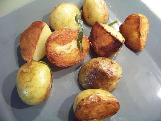 pommes de terre sautées aux feuilles de citronnier