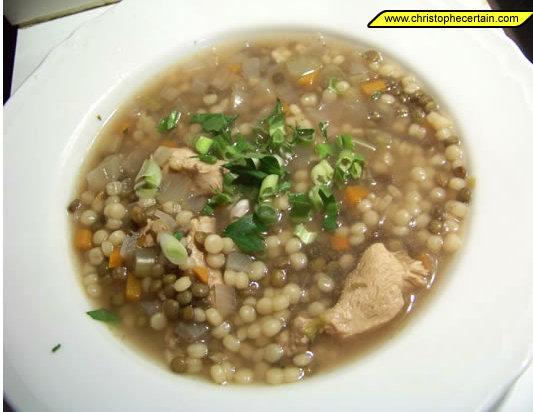 Soupes de poulet recette avec l gumes lentilles et for Cuisine pied noir