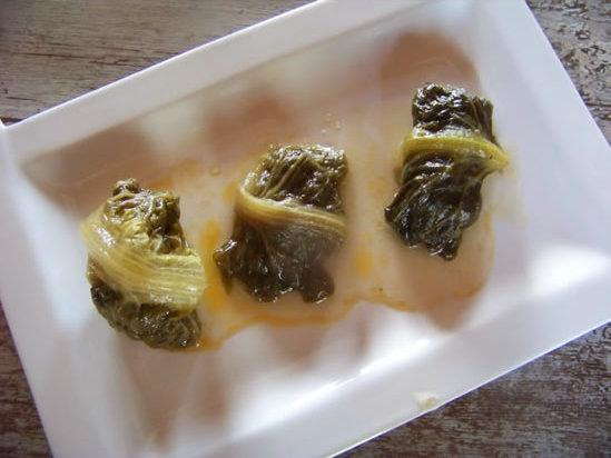 Yabrak – feuilles de romaines farcies à la viande