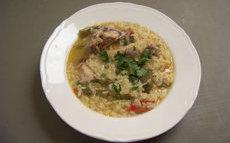 recette de Arroz en caldo – soupe de riz au poulet et cocos plats