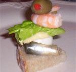 recette de pinchos oeuf crevette anchois salade