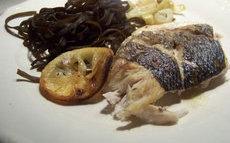 recette de Bar au fenouil, citron et haricots de mer