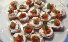 recette de Bouchées roquefort tomate basillic