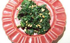 recette de Epinards sautés aux oignons et pignons