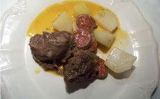 recette de joues de porc aux choux-raves et au chorizo