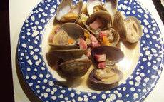 recette de palourdes aux lardons, coriandre et petits légumes