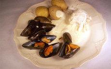 recette de Recette filet de poisson aux moules et à la crème d'ail