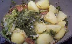 recette de pommes de terre au chorizo et feuilles de navet