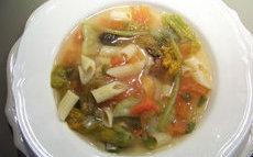 recette de soupe de légumes aux fleurs de courgette