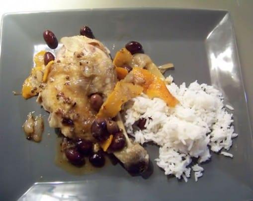 Poulet aux oranges amères et olives violettes