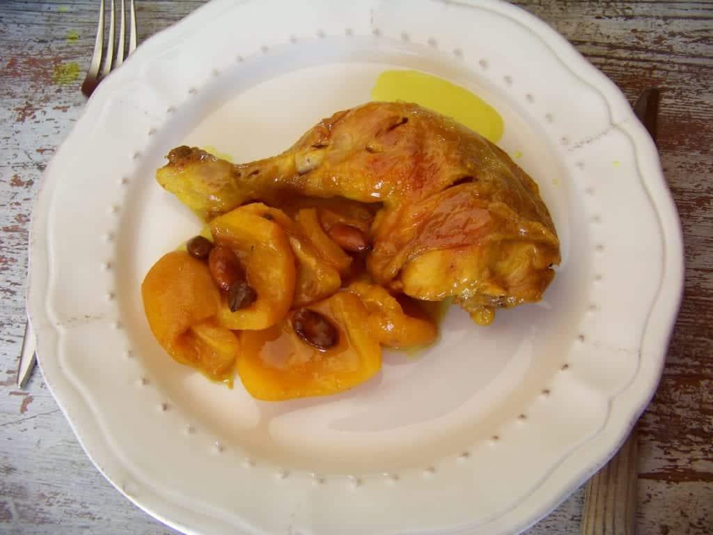tajine aux nèfles et amandes grillées
