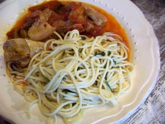 spaghetti à l'ail et au basilic